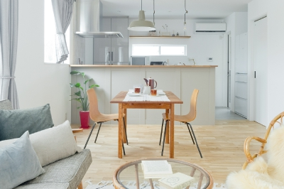 ワンフロアでシンプルに暮らす家